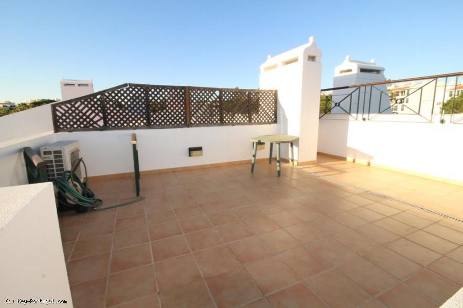 Splendide appartement avec terrasse sur le toit for Appartement avec terrasse sur le toit